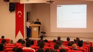 Manisa Büyükşehir Belediyesi Bilgi İşlem Dairesi Başkanlığı tarafından geliştirilen Muhtarlık Bilgi Sistemi'nin etkin ve verimli bir şekilde kullanılabilmesi amacıyla bilgilendirme toplantısı düzenlendi