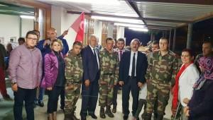 Manisa Büyükşehir Belediyesi Kent Konseyi, şizofreni hastalığı bulunan ve askerlik çağı gelmiş olan 5 hastaya moral olmak amacıyla asker eğlencesi düzenledi.