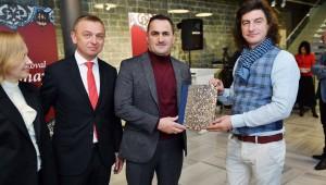 'Emaye Dili' Sergisi Beyoğlu'nda Sanatseverlerle Buluştu