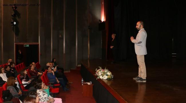 'İşaret Dili Semineri' Kartal'da Gerçekleştirildi