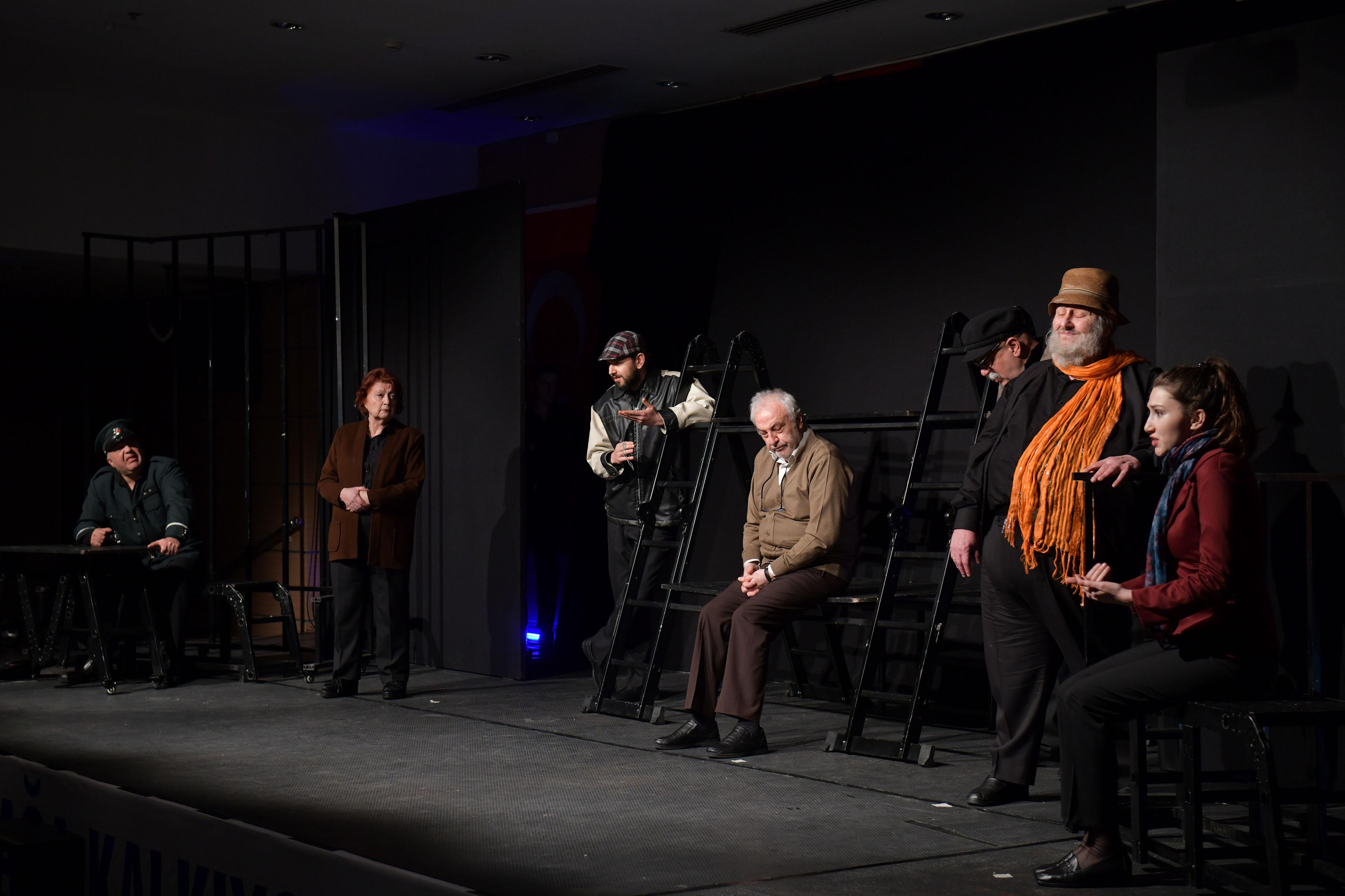 Ankara Ekin Tiyatrosu'ndan muhteşem performans