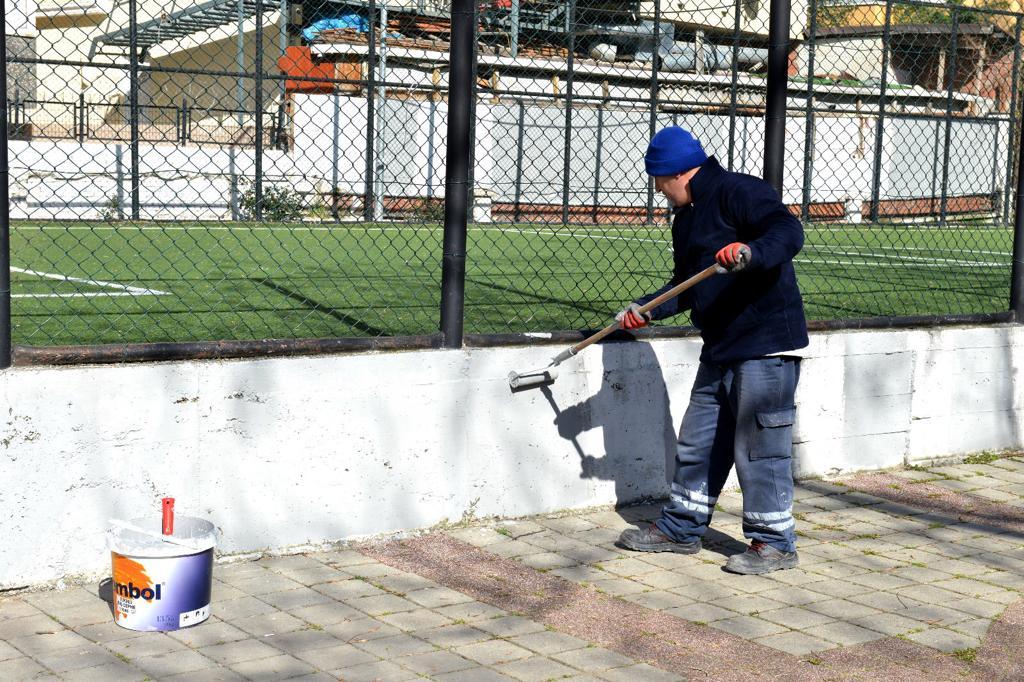 AVCILAR'DA ÇOCUK PARKLARI BAHARA HAZIRLANIYOR