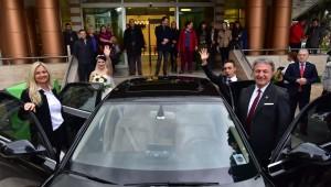 'Herşeyiniz bizden' projesi kapsamında evlenen çiftin nikahını Başkan İduğ kıydı