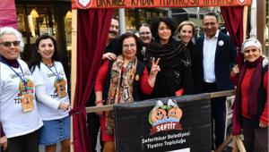 """""""Kadınların Sahnedeki Sesi"""" İzmir Sanat'taydı"""