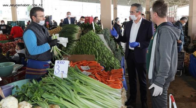 Gaziemir'in pazaryerlerinde koronavirüs seferberliği