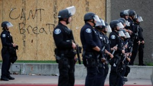ABD'nin St. Louis kentindeki protestolarda 4 polis vuruldu