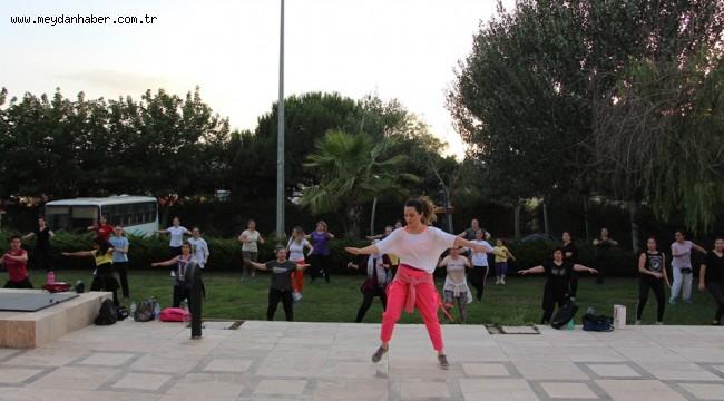 Ödemiş Belediyesi'nden sosyal mesafeli zumba ve pilates kursları
