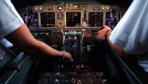 Pakistan Uluslararası Havayolları (PIA) 150 pilotuna şüpheli yollarla pilot belgesi aldıkları iddiasıyla uçuş yasağı getirdi.