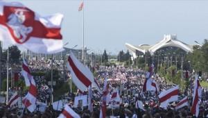 Belarus'ta protestolar Cumhurbaşkanlığı Sarayı önünde sürdü