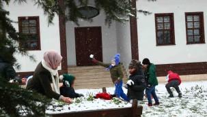 Bağcılar'da kar heyecanı