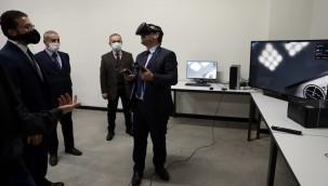 Başkan Demirel, robot yarışmalarına katılacak öğrencilerle bir araya geldi