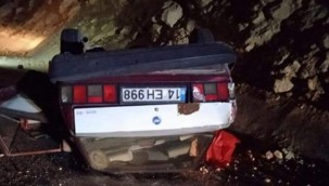 Ankara'da devrilen otomobildeki sürücü öldü, eşi yaralandı