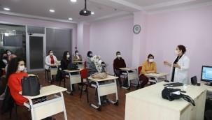 Etimesgut Belediyesi, etiSEM ve etiUZEM projesi ile meslek ve beceri eğitimlerine devam ediyor