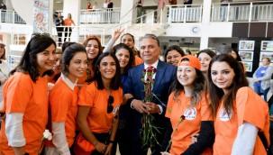 Muratpaşa'da kadın çalışanlar izinli