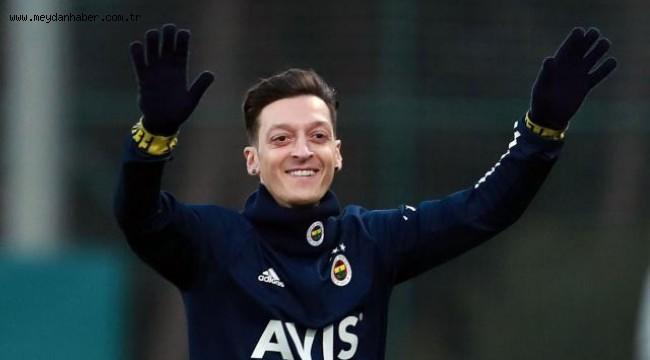 Mesut Özil'den 128 bin insana yardım