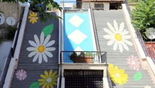 Çankırı'da Merdivenler Çiçek Açtı