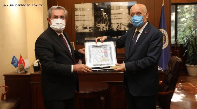 Başkan Yaşar'dan Rektör Ünüvar'a ziyaret