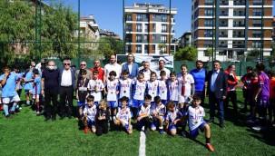 Kartal'da Metin Oktay anısına düzenlenen futbol turnuvası sona erdi