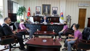 Öğrencilerden Başkan Esen'e İlköğretim Haftası Ziyareti