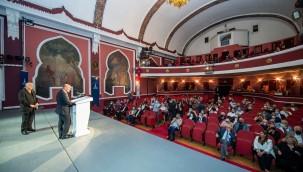 """Başkan Soyer: """"İyi ki tiyatro var"""""""
