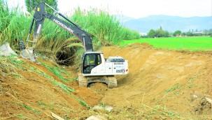 Büyükşehir Milas ve Bodrum'da 11 bin 300 Metre Dere Temizliği Yaptı