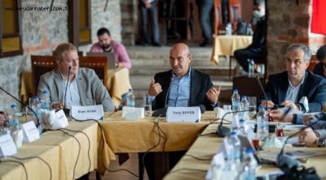 """İzmir Büyükşehir Belediyesi'nin Konak'taki ana hizmet binası için Danışma Kurulu çalışmalara başladı Başkan Soyer: """"Bu kararı sizlerle beraber almak istiyoruz"""""""