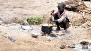 Kenya'da 200 bin kişi günde bir öğün yemek tüketebiliyor