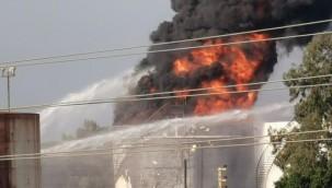 Lübnan'daki Zahrani petrol tesislerinde yangın
